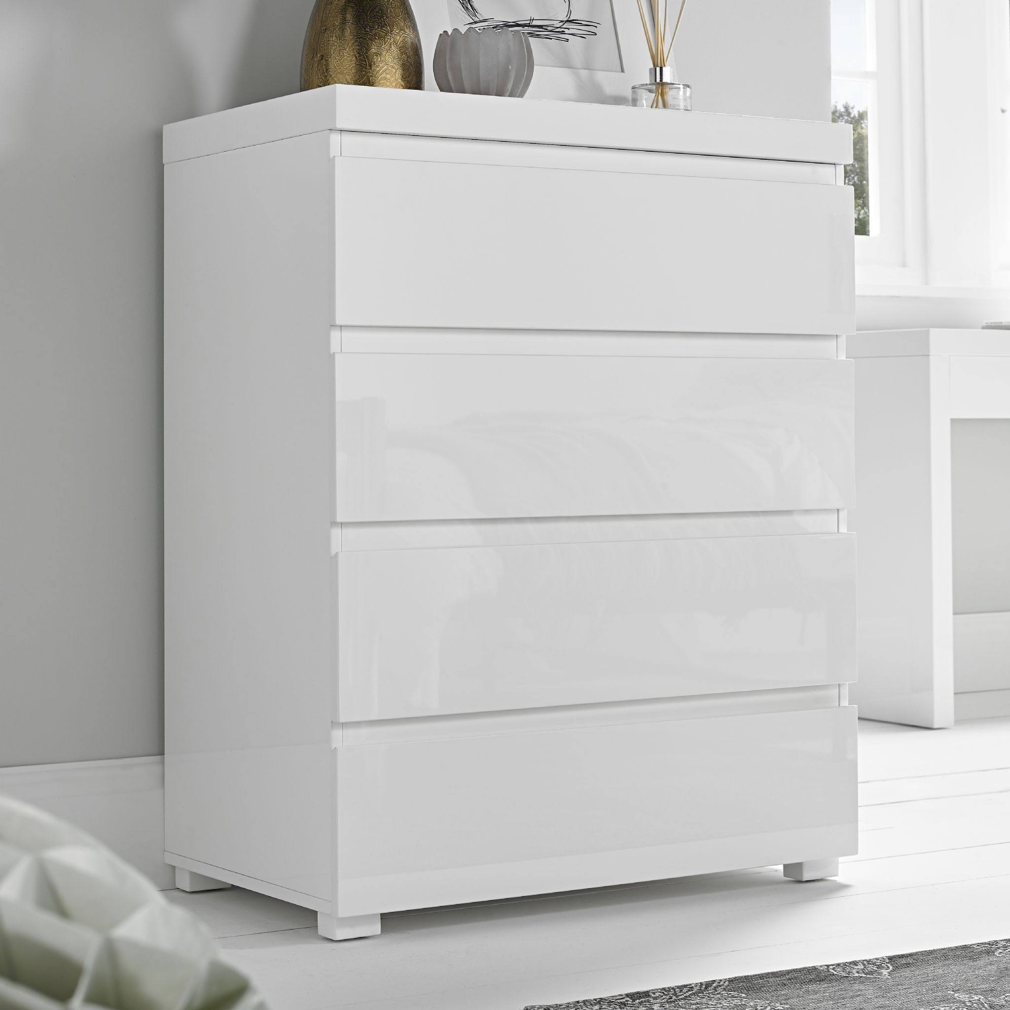 High Gloss Contemporary White 4 Drawer Chest Of Drawers Ebay